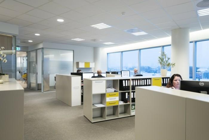 dalle-led-plafond-idee-organisation-espace-de-travail-officle-espace-luminaire-led-plafond