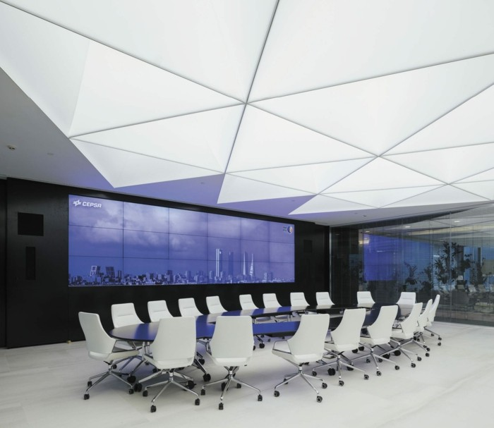 dalle-lumineuse-idee-office-space-dalles-barrisol-decoration-plafond-idees