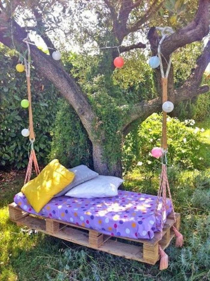 deco-boheme-chic-balancoire-dans-le-jardin-resized