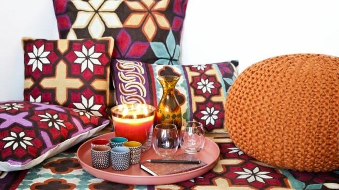 deco-boheme-chic-tabourets-et-coussins-marocains-resized