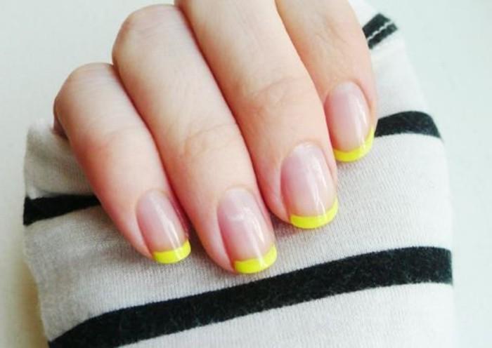 deco-ongle-facile-en-blanc-transparent-et-jaune-deco-ongle