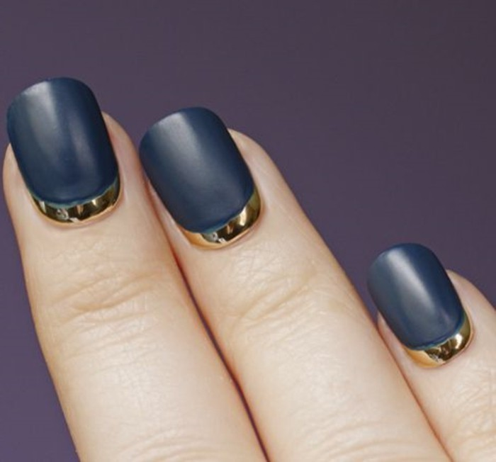 deco-ongle-facile-manucure-french-ongles-et-gris-foncé-idees-deco-ongles