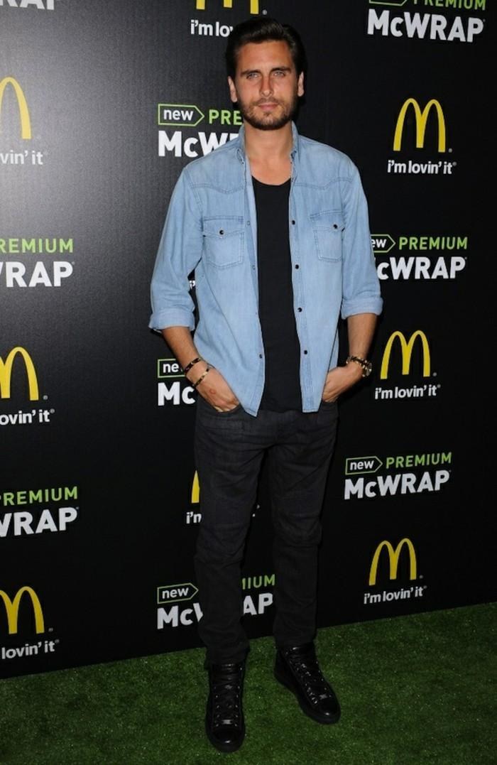 formidable-Scott-Disick-idée-comment-porter-chemise-jeans-homme