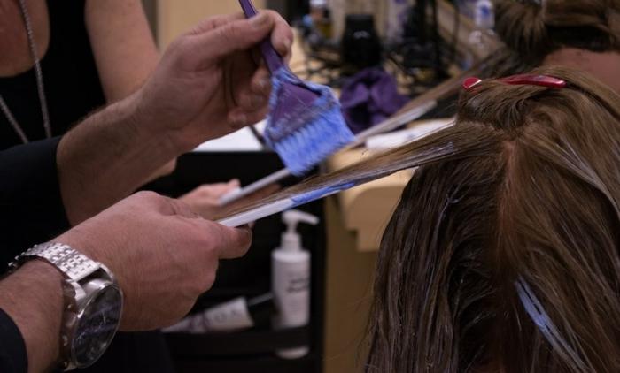 formidable-balayage-sur-cheveux-chatain-stylé-la-procedure