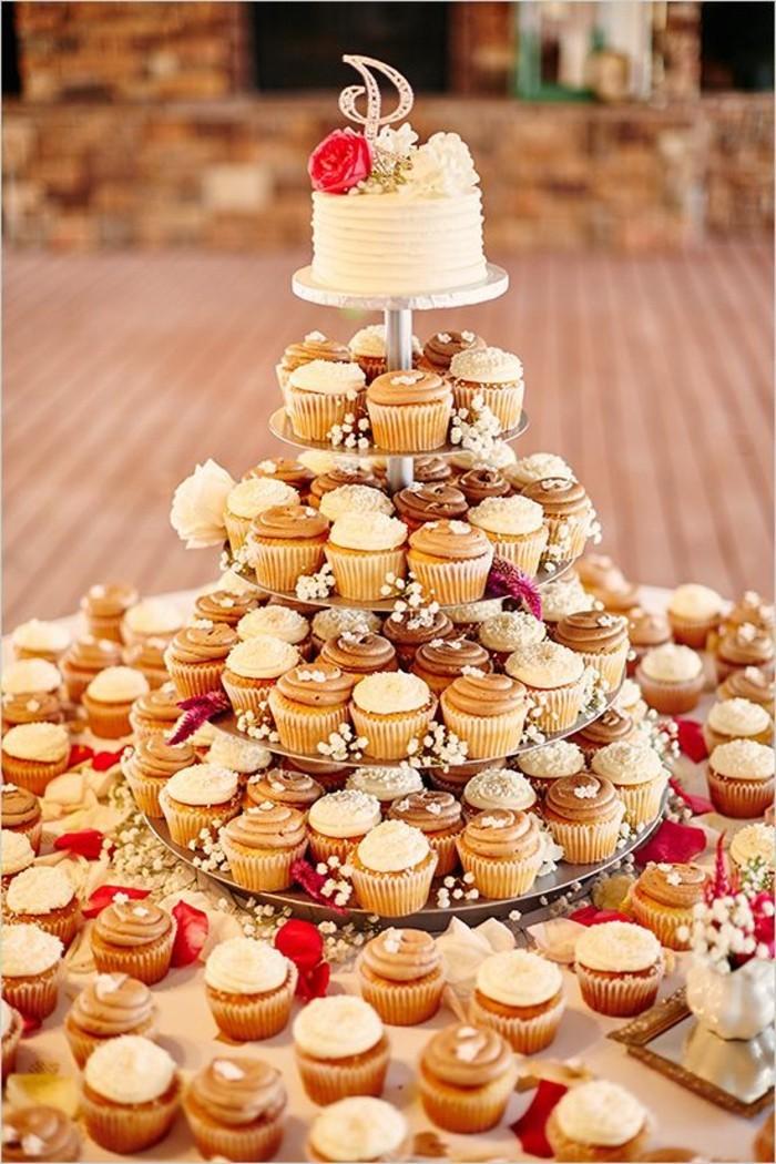 gateau-piece-montée-mariage-idée-formidable-cupcakes