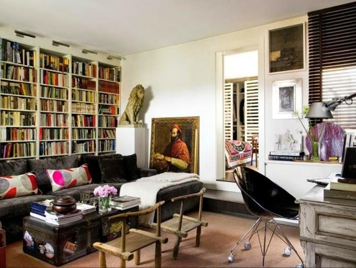 magnnifique-idée-déco-petit-salon-artistique-espace-optimisé-meubles-vintage-grande-bibliothèque-pour-les-amateurs-des-livres