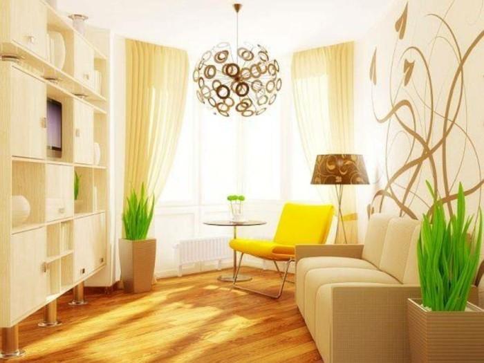 idée-déco-petit-salon-idée-chouette-comment-meubler-son-salon-meubles en couleurs claires-petit-salon-lumière-abondante-déco-fleurs-plantes-suspension-jolie