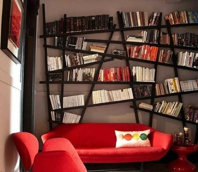 idée-déco-petit-salon-aménager-un-petit-salon-idée-originale-design-intéressant-sofa-fauteuil-rouge