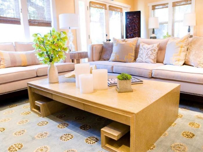 idée-déco-petit-salon-table-design-original-sofa-confortable-tapis-bleu-à-motifs-floraux
