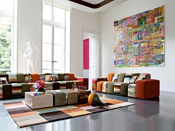 idée-déco-petit-salon-très-artistiques-idée-originale-déco-petit-salon-canapé-tapis-multicolores-ambiance-gaie-et-artistique