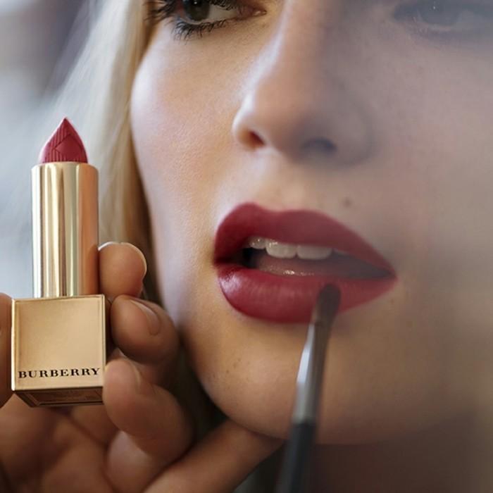 idée-maquillage-noel-maquillage-de-fetes-humeur-rouge