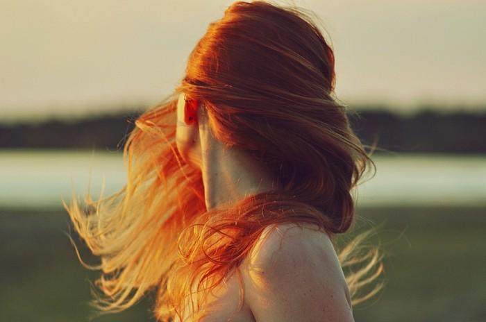 idée-quelle-couleur-cheveux-brun-rouge-naturelle