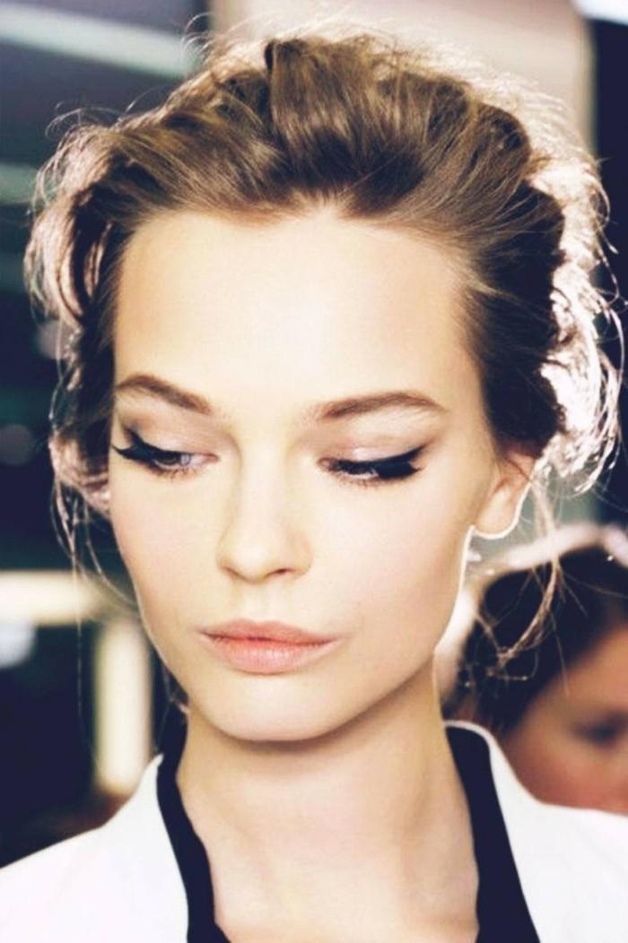 joli-maquillage-reveillon-maquillage-de-soiree-belle-femme