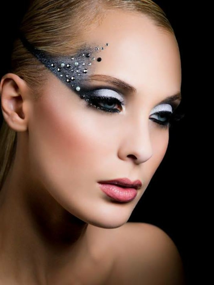 jolie-femme-maquillage-de-noel-idée-make-up