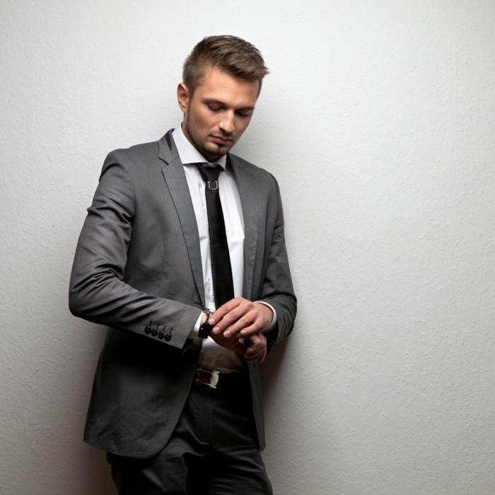 jolie-idée-comment-s-habiller-cravate-mariage-classe-venue-en-gris