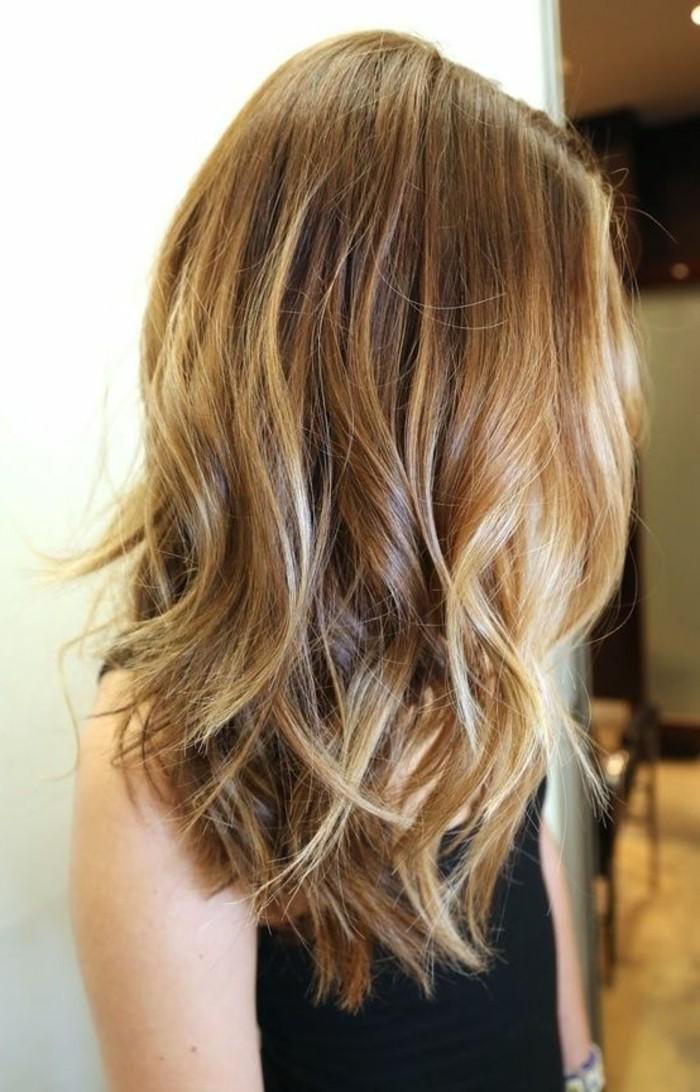 la-couleur-de-cheveux-miel-balayage-naturel-idee-cheveux