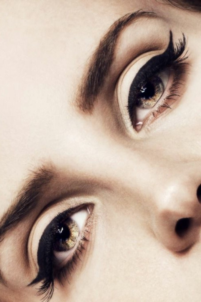 maquillage-cat-eye-idee-maquillage-tuto-utile-pour-maquiller-les-yeux-maquillage-yeux-marrons-verts