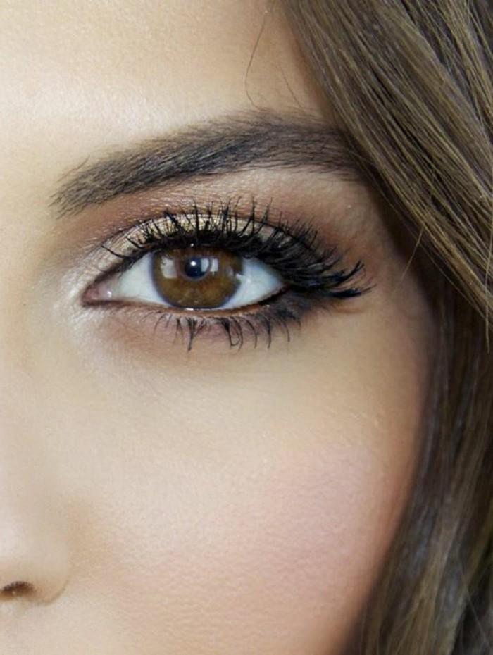 maquillage-cat-eye-tuto-maquillage-yeux-marrons-idee-maquillage-facile