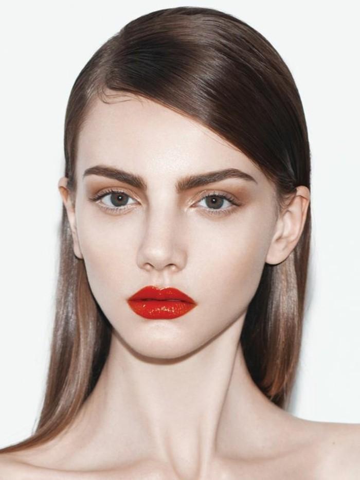 maquillage-naturel-tuto-comment-se-maquiller-les-yeux-levres-rouges-foncés