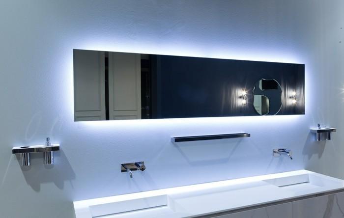 miroir-éclairant-salle-de-bain-miroir-avec-led-luminaire-blanche-led