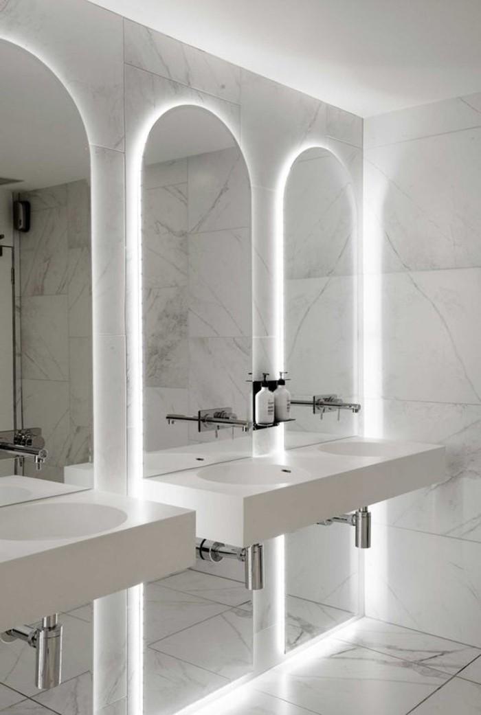 O trouver le meilleur miroir de salle de bain avec for Miroir trois faces salle de bain