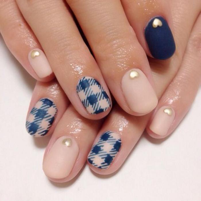 modèle-ongles-jolie-manucure-motif-plaid