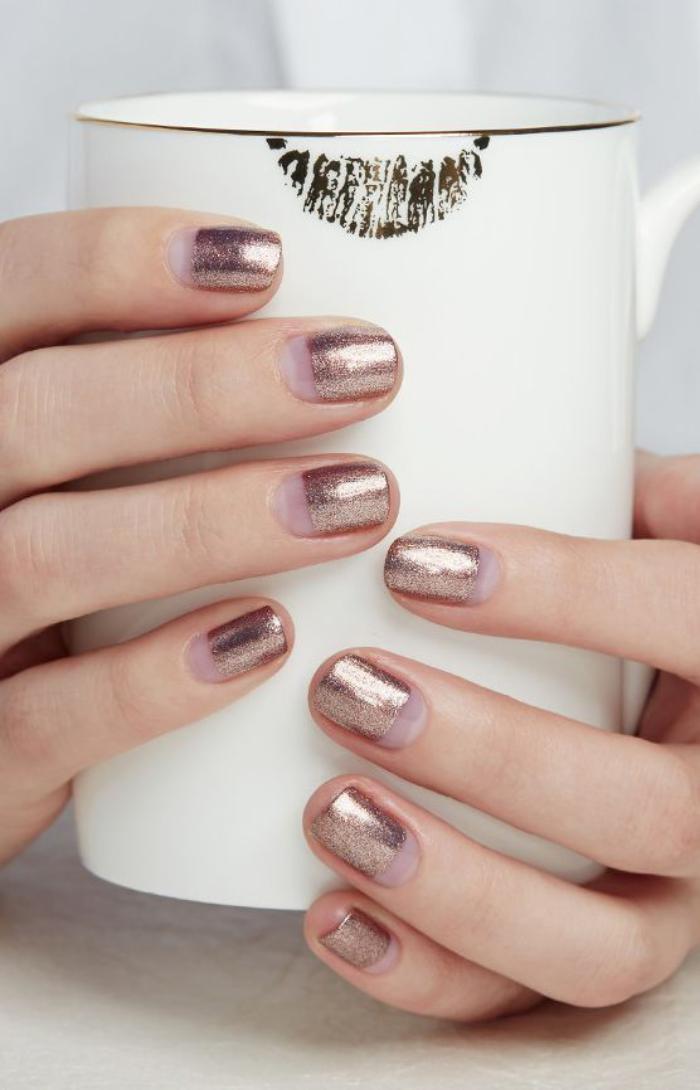 modèle-ongles-modele-ongles-stylé-pour-les-femmes-d'affaires