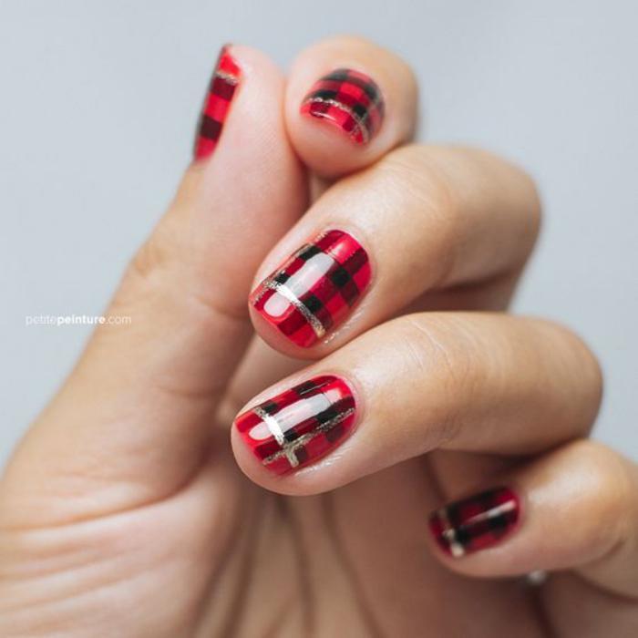 modèle-ongles-nail-art-magnifique-déco-carré-écossais