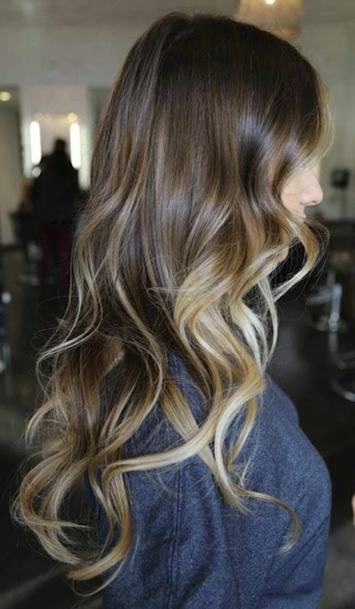 moderne-balayage-cheveux-chatain-moderne