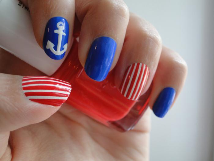 nail-art-facile-à-thème-marin
