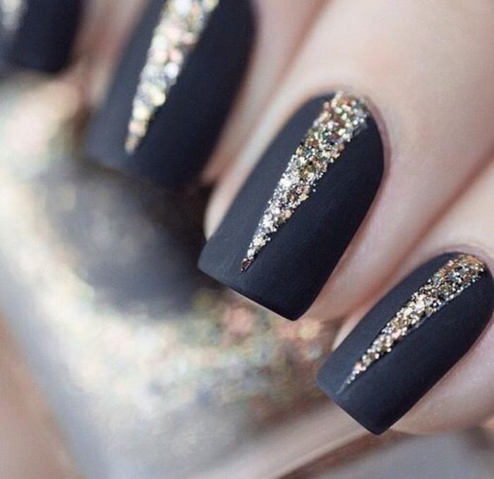 nail-art-facile-idée-déco-avec-brocat-doré
