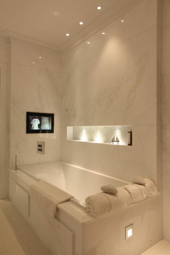 Comment choisir le luminaire pour salle de bain for Choisir couleur salle de bain