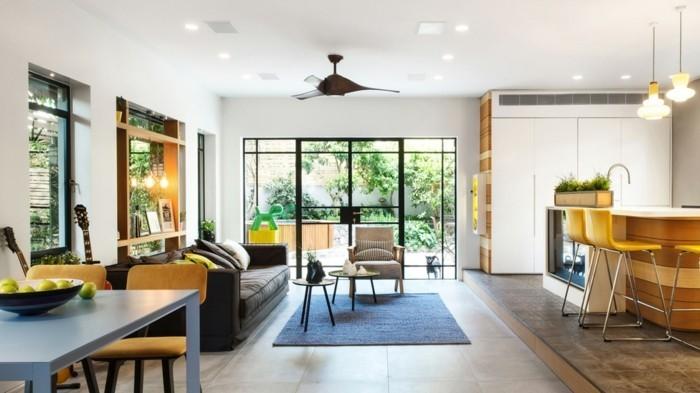 petites-dalles-led-instalation-plafond-sol-en-faience-grands-dalles-beiges-pour-le-salon