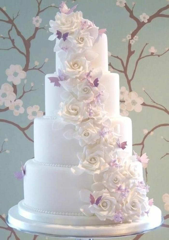 Gâteau de mariage thématique au bord de la mer