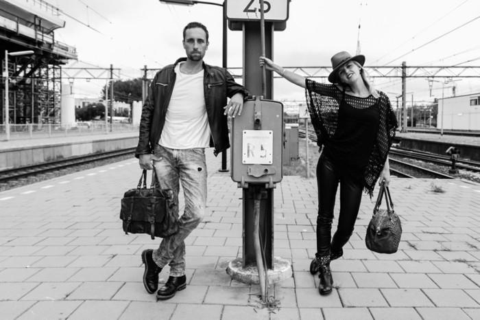 pochette-homme-cartable-cuir-homme-tenue-photo-noir-et-blanc
