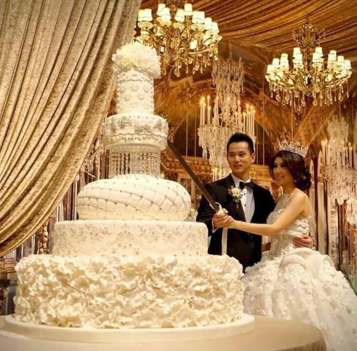 prix-pièce-montée-mariage-musique-pièce-montée-mariage-couple-amoureux