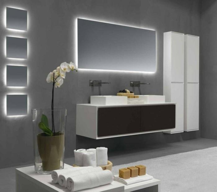 rifra-design-miroir-éclairant-salle-de-bain-murs-gris-comment-eclairer-la-salle-de-bain
