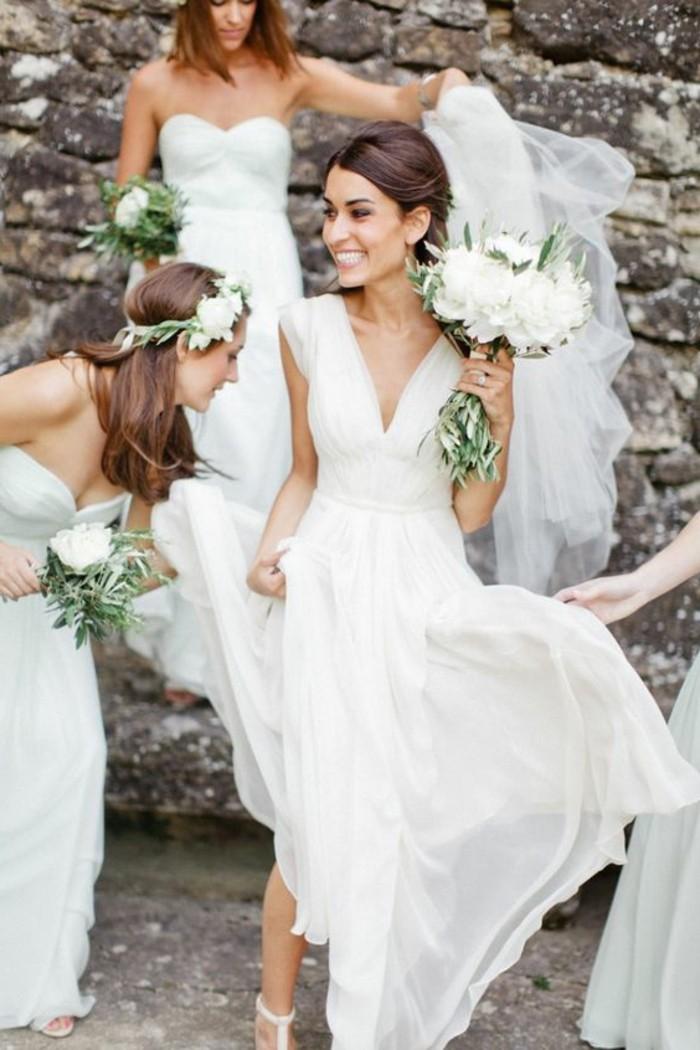 robe-de-mariee-simple-decollete-en-v-robe-mariage-civil-mi-courte-idees-robe-mariage