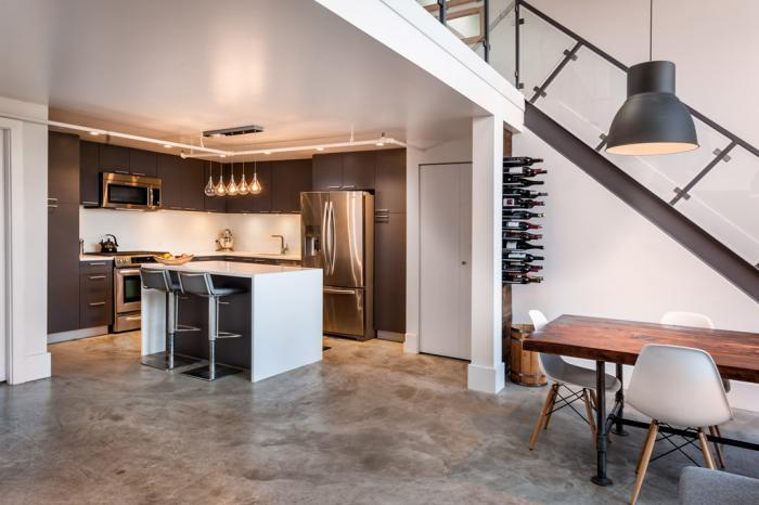 l 39 am nagement d 39 une salle manger style industriel en 48. Black Bedroom Furniture Sets. Home Design Ideas
