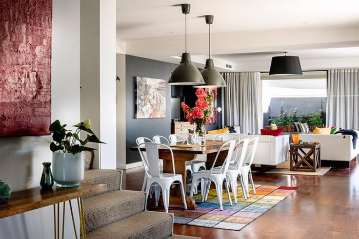 salle-à-manger-style-industriel-intérieur-à-espace-ouvert