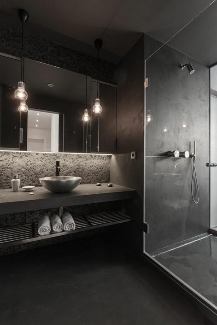Comment choisir le luminaire pour salle de bain - Salle de bain grise et bois ...