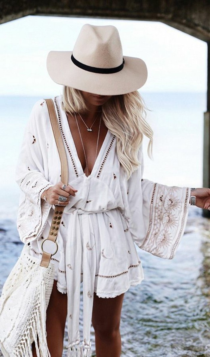 superbe-cabas-osier-panier-banana-moon-1-tenue-plage-mode-accessoires-plage-originaux-tenue-bohème-chic