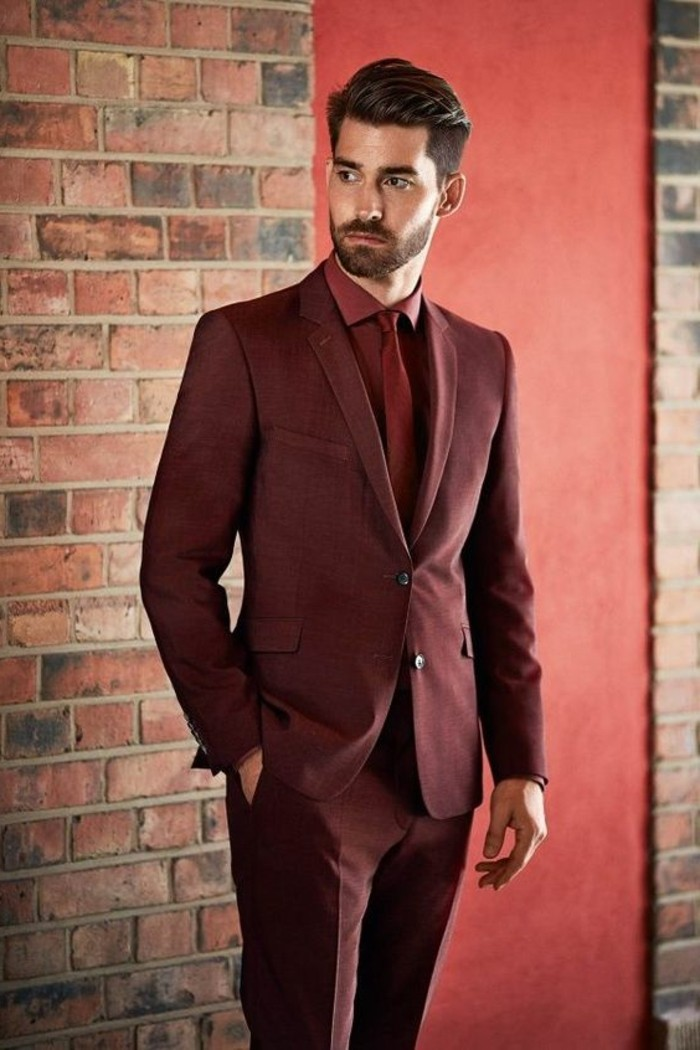 superbe-smoking-mariage-tenue-chic-homme-tenue-chique-rouge