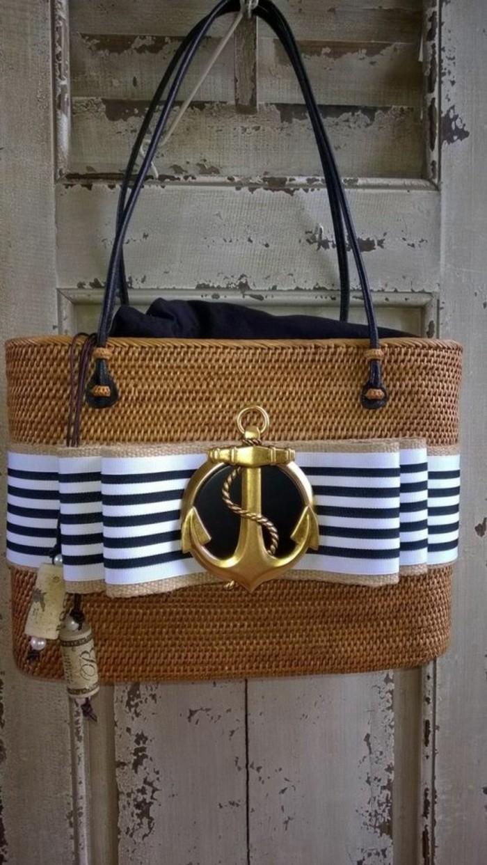 tenue-plage-mode-accessoires-plage-originaux-cabas-osier-panier-banana-moon-moderne