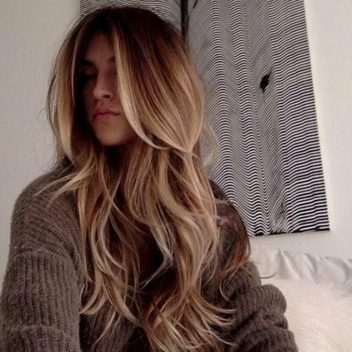 tie-and-dye-naturel-cheveux-blond-vénitien-balayage-cheveux-brun-balayage-pour-brune
