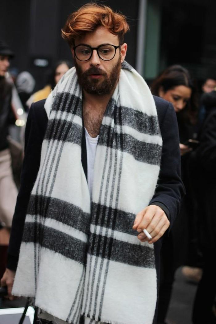 écharpe-pour-homme-tenue-casuel-avec-châle-blanc-et-noir