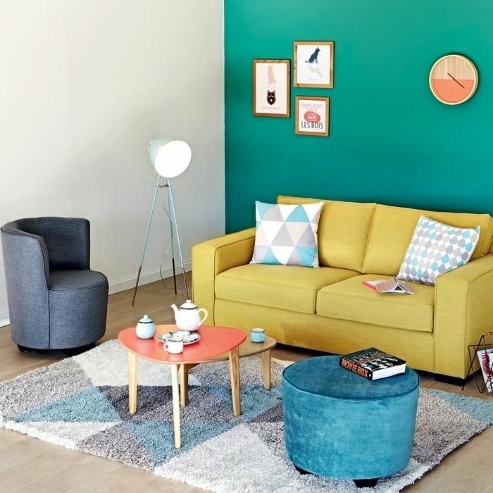 0-alinea-luminaire-pas-cher-pour-le-salon-tapis-coloré-chaise-basse-en-bleu
