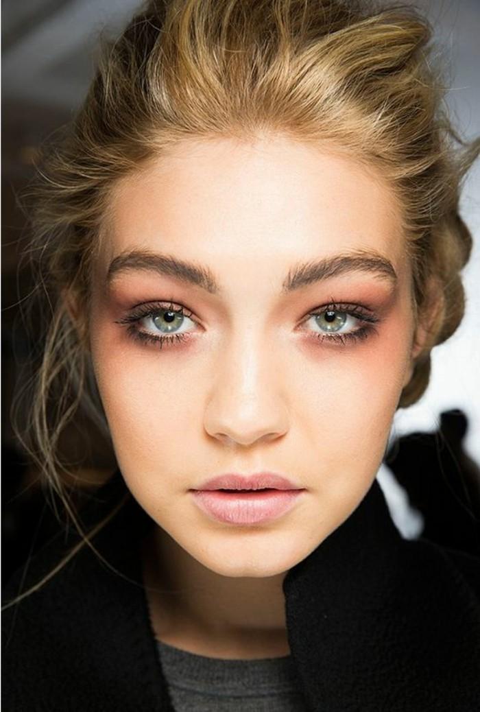 0-apprendre-a-se-maquiller-les-yeux-verts-fard-a-paupiere-yeux-vert