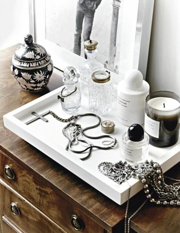 0-boite-a-maquillage-rangement-make-up-idée-rangement-bijoux-pour-votre-coin-de-beauté