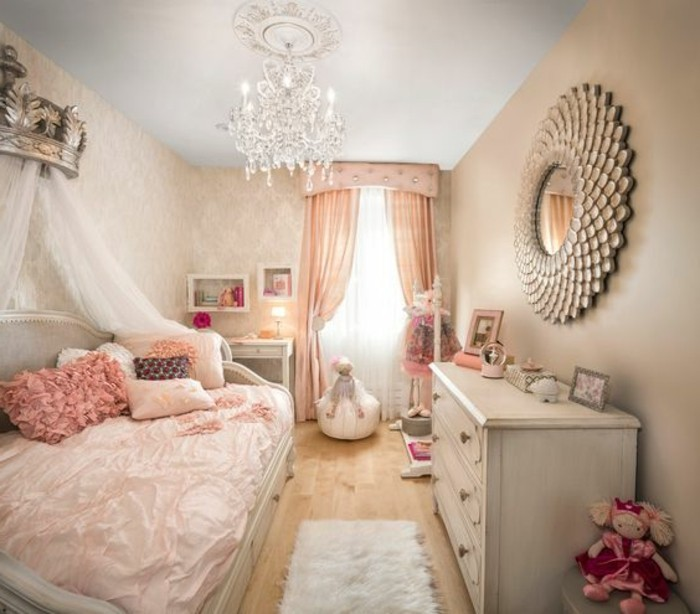 Baby girl bedroom hallow keep arts for Idee deco slaapkamer baby meisje